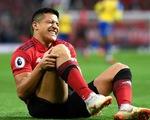 Alexis Sanchez nghỉ thi đấu 6 tuần khi M.U sắp 'tử chiến' PSG, Arsenal