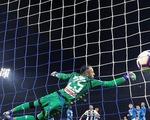 Juventus thắng chật vật Napoli