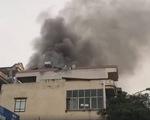 Cứu 9 người khỏi đám cháy nhà 5 tầng ở Hà Nội