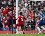 Salah lập siêu phẩm, Liverpool hạ Chelsea trở lại đỉnh bảng