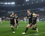 Thua ngược Ajax, Ronaldo và đồng đội dừng bước ở tứ kết