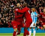 Đè bẹp Huddersfield, Liverpool tái chiếm ngôi đầu Premier League