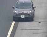 Bị phát hiện đi ngược chiều trên cao tốc, tài xế lùi xe bỏ chạy