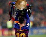 Messi và Barcelona ăn mừng chức vô địch La Liga lần thứ hai liên tiếp