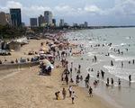 Biển Vũng Tàu sạch sẽ trong ngày đầu kỳ nghỉ lễ