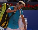 'Vua' Nadal lại thua trên sân đất nện