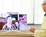 Samsung mang niềm vui đến giường bệnh cho người già