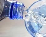 Vì sao có nước vòi 'siêu sạch' nhưng dân Singapore thích nước đóng chai?