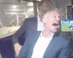 Video Rio Ferdinand và Gary Lineker phát cuồng với