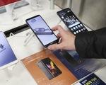 Dân Anh cũng bán tháo điện thoại Huawei sau lệnh cấm của Mỹ