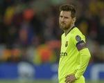 Lần đầu tiên ở mùa này, Messi bị điểm... dưới trung bình