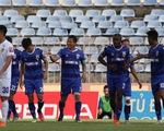 Trung vệ U23 Tấn Sinh mắc sai lầm, Quảng Nam thua Bình Dương