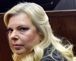 Dùng quỹ công đặt đồ ăn, vợ Thủ tướng Israel hầu tòa
