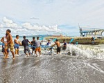 Xem xét khen thưởng cho tàu ngư dân cứu 22 ngư dân Philippines