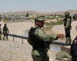 Mexico bắt đầu tuần tra biên giới, bắt gần 800 người di cư không giấy tờ