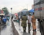 Va chạm với xe tải trong làn ôtô, 2 thanh niên bị cán tử vong