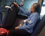 Cụ bà tiếp viên trên xe buýt số 14: