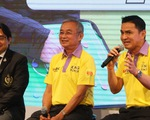 Kiatisak lần đầu nói về ghế HLV trưởng tuyển Thái Lan