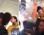 Vào vùng thời tiết xấu, tiếp viên bị hất đụng trần máy bay
