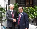 Gặp ông Hun Sen, ông Lý Hiển Long hứa không xát muối