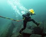 Huawei sắp bán mảng cáp quang biển