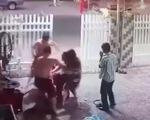 Khởi tố 2 cựu công an xông vào nhà đánh người phải nhập viện