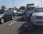 7 xe tông liên hoàn trên cao tốc TP.HCM - Trung Lương, hàng ngàn xe cộ ùn ứ