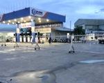 Nhiều cửa hàng tháo bỏ bảng hiệu xăng dầu của đại gia Trịnh Sướng