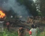 Xe bồn phát nổ ở Nigeria, 50 người chết khi đang