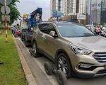 Viện cớ xe sang 5,2 tỉ đồng, tài xế không chịu để CSGT đưa xe về đồn