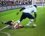 CĐV Manchester United mắng nhiếc Sissoko vì đạp Daniel James thô bạo