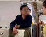Khách say rượu, sờ soạng phụ nữ bị yêu cầu xuống máy bay lập tức