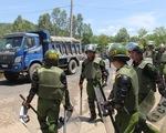Đà Nẵng: Dân lại chặn đường vào bãi rác, công an phải vào cuộc