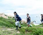 Người trẻ tình nguyện ra chăm chút từng góc đảo Hòn Cau