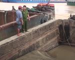 """Cảnh sát truy đuổi 4 đối tượng """"cát tặc"""" trên sông Đồng Nai"""