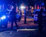 Xả súng vào đám đông trên 100 người đang dự tiệc đường phố ở Chicago