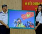 Cảnh sát biển ký kết đồng hành với ngư dân