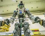 """Robot Nga """"lái"""" tàu vũ trụ lên ISS"""