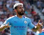 Aguero lập cú đúp, M.C vươn lên nhì bảng