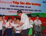 1 triệu đồng học bổng, chiếc xe đạp và niềm vui của học trò nghèo Cần Thơ
