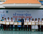 Caravan Thư viện 2030 tặng thư viện và học bổng tại Ninh Thuận