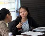 """Cô giáo quỳ ở UBND tỉnh: """"Tôi bị xúc phạm và oan ức"""""""