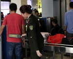 Nhân viên sân bay Tân Sơn Nhất phát hiện hành khách