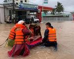 Nước bắt đâu rút ở Phú Quốc, nhưng một số nơi đang mưa tiếp