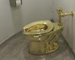 Bồn cầu bằng vàng khối America trong cung điện Anh bị trộm gỡ mất