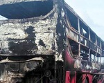 Xe khách cháy rụi trong 10 phút, hành khách may mắn thoát kịp