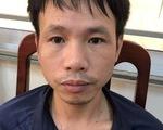 Người bắn pháo sáng trên sân Hàng Đẫy: