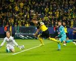 Thủ thành Stegen tỏa sáng, Barca 'thoát chết' trước Dortmund