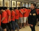 Đột kích bắt hơn 320 người Trung Quốc lừa đảo qua mạng