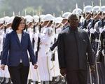 Ngoảnh mặt với Đài Loan, Solomon phải chuyển sinh viên sang Trung Quốc